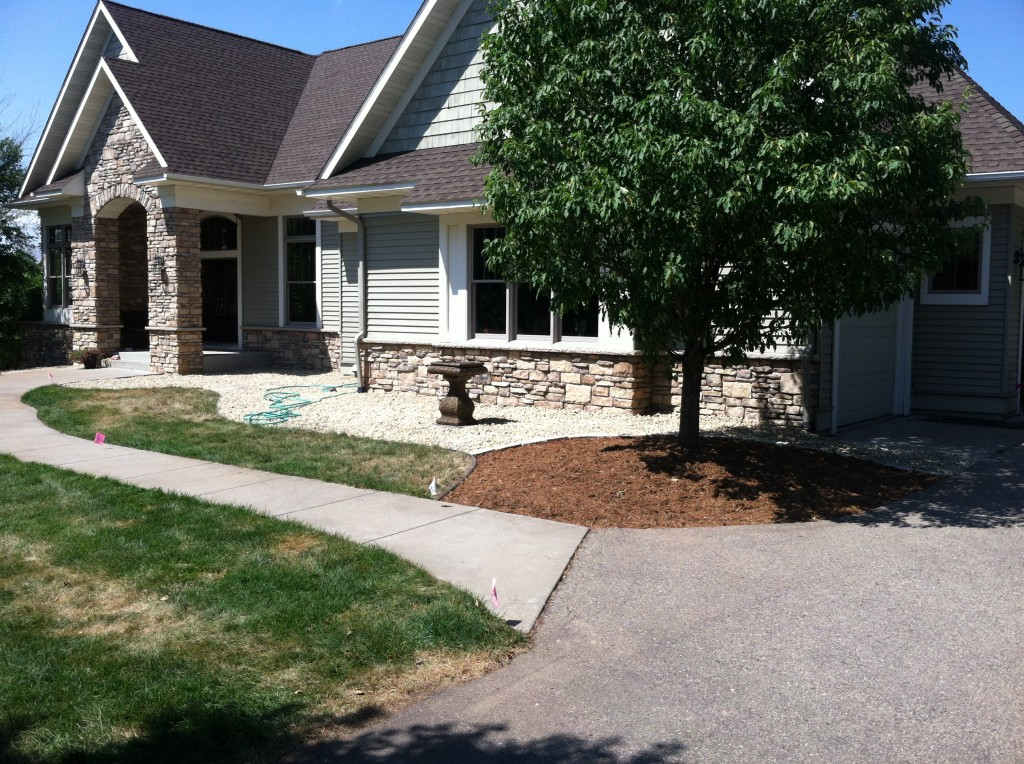 Landscaping services new richmond wi for Residential landscaping